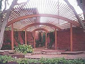 Arched design wooden fan arbor