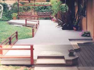 Low railing Japanese style deck design